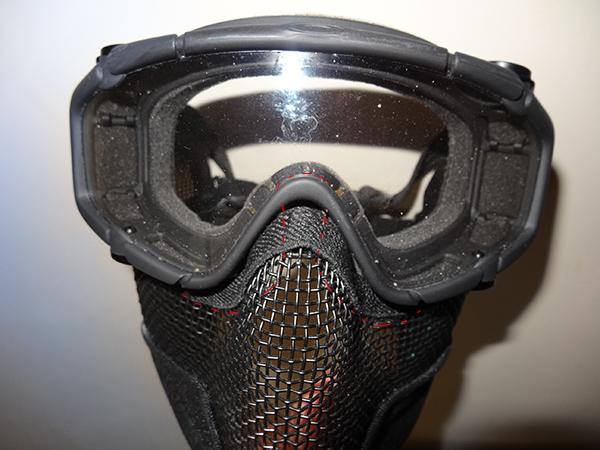 Combo Half masque V2 et Lunettes balistiques Oakley